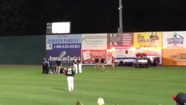 [HAR] Ambulance Rushes Injured Rock Cats Player Off Field