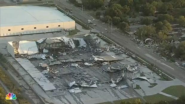[NATL] Tornado Touches Down in Dallas