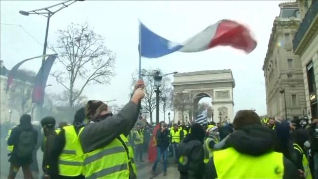 [NATL] Protesters, Police Continue to Clash in Paris