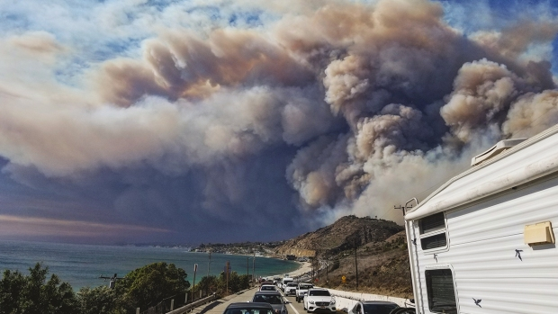 Top News Pics: Wildfires Burn Across California