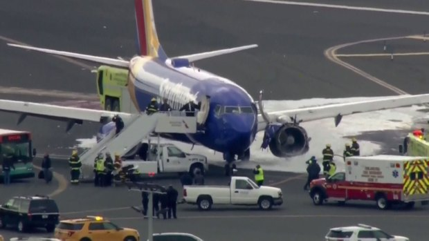 [NATL-PHI] Southwest Plane Makes Emergency Landing After Engine Blew