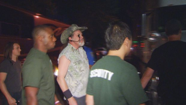 [NATL-HAR] Protesters Confront Ted Nugent Fans Over Singer's Trayvon Martin Comments