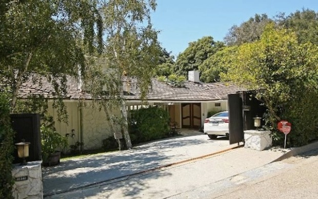 Robert Wagner's Daughter Lists in Brentwood