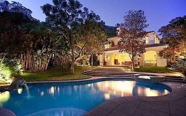 Sharon Stone Finally Unloads Ritzy Estate