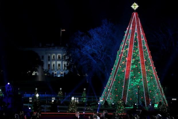 Photos: Trumps Light National Christmas Tree