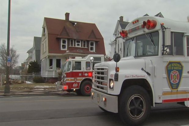 [HAR] Vacant Hartford House Fire Difficult to Fight