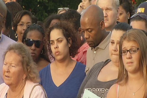 [HAR] Vigil Held For Victims Of East Haven Plane Crash