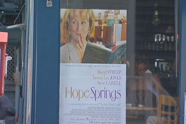 """[HAR] """"Hope Springs"""" Has Shoreline Buzzing"""