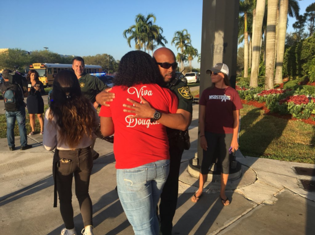 [NATL-MIA] Emotions High as Students Return to Douglas High School