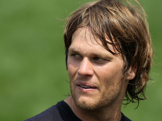 Pics From Pats Camp: Tom Brady Is Still Very Pretty