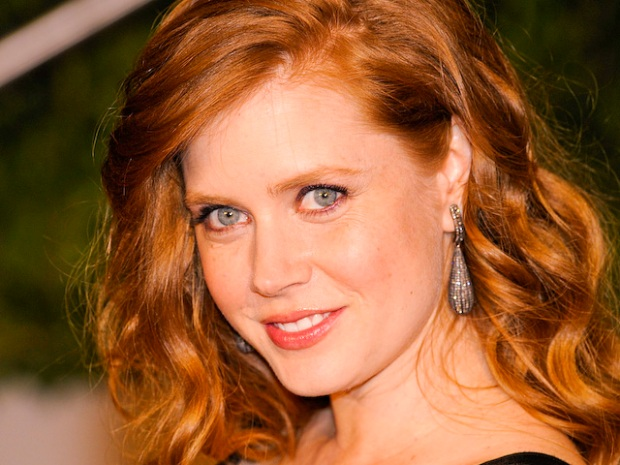 "[NATL] Amy Adams Talks Skimpy Outfits in ""The Fighter"""