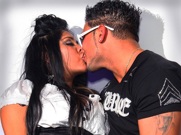 [NTSD] Spotted! Snooki Caught Smooching at Jersey Club