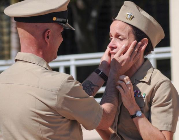 [NATL-DGO] Navy Siblings Reunite After 30 Years Apart