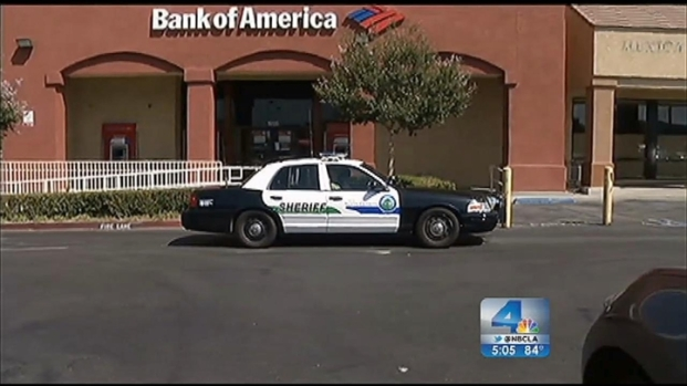 "[LA] ""Robin Hood"" Chase Begins as Bank Robbery in Canyon Country"