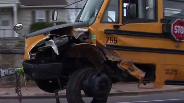 [HAR] Driver Collides With School Bus