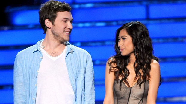 "[NBCAH] Phillip Phillips and Jessica Sanchez Battle It Out on ""Idol"" Finale"