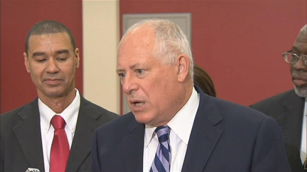 [CHI] Lawmakers Sue Quinn Over Paychecks