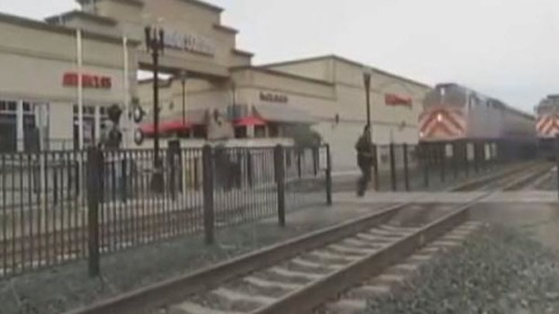 [BAY] New Video: Close Call on Caltrain Tracks