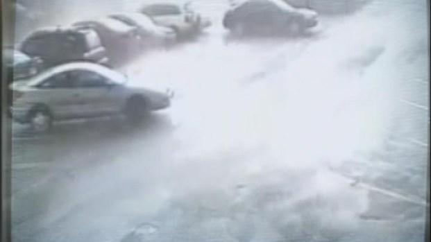 [HAR] Tornado Captured on Parking Lot Surveillance