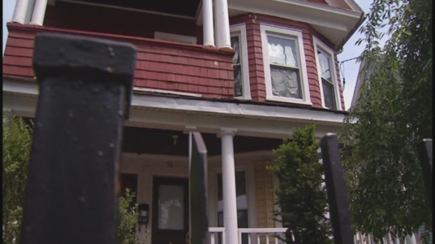 [HAR] Foreclosure Victims Blast Wethersfield Business