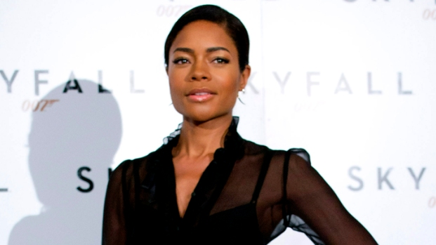 "[NBCAH] Naomie Harris Talks Sensual ""Skyfall"" Shaving Scene With Daniel Craig"