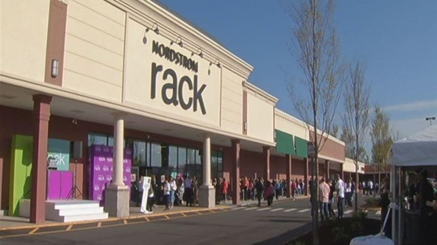 [HAR] Nordstrom Rack Opens In Connecticut