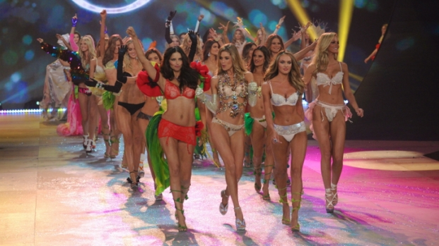 [THREAD] Our 15 Favorite Angels from the Victoria's Secret Fashion Show
