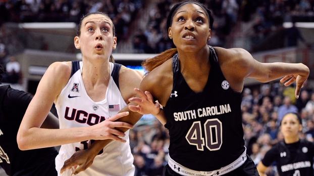 UConn Pulls Out Win With Stewie on Bench
