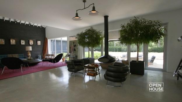 """Designer Tour: Inside Mark Zeff's """"BlackBarn"""""""