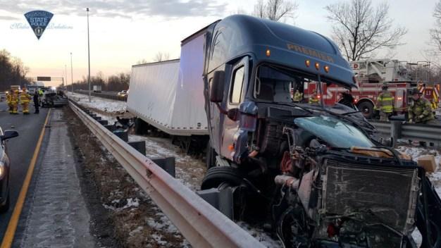 1 Dead After Crash on I-91N in Longmeadow, Mass.