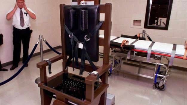 Tenn. Death Row Inmates Sue to Block Electric Chair