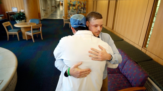 Face Transplant Links Men Touched by Tragedy