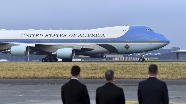 Air Force One Getting Red, White and Blue Makeover: Trump