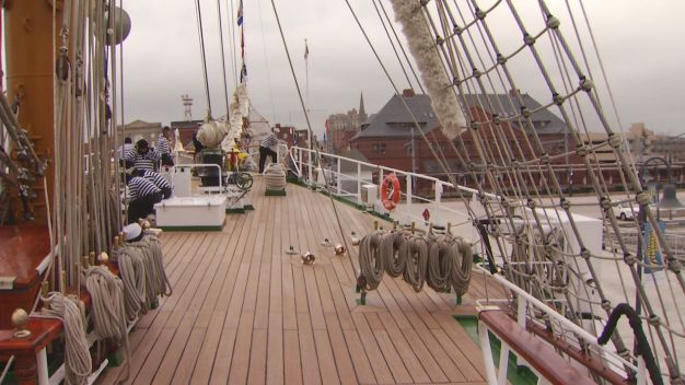 Mexican Tall Ship Visits New London
