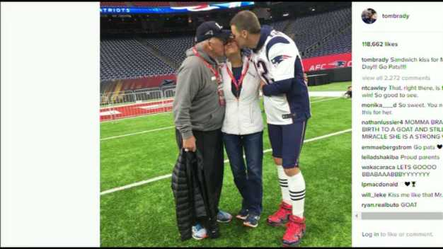 Tom Brady Poses With Parents Before Big Game