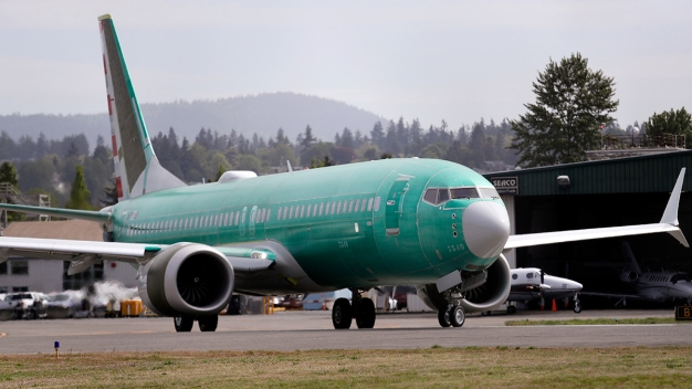 Boeing Heads to Paris Air Show Hobbled as Its 737 Max Crisis Clears Way for Rival Airbus