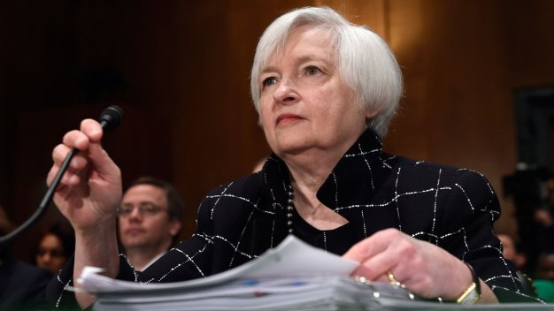Fed Keeps Key Rate Unchanged, Gives No Hint of Next Hike