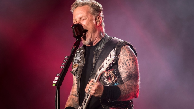Hetfield: No Super Bowl Halftime Show for Metallica