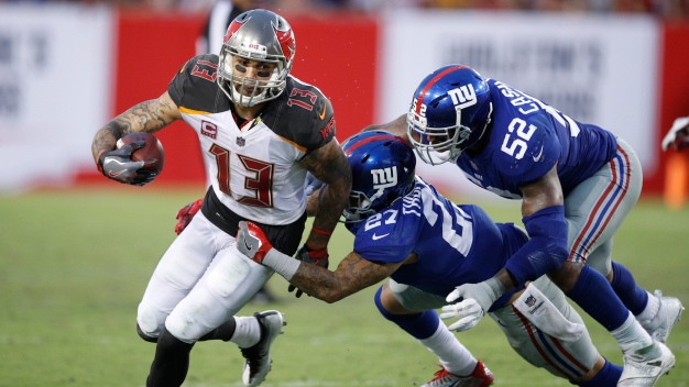 Giants Fall to Buccaneers, 25-23
