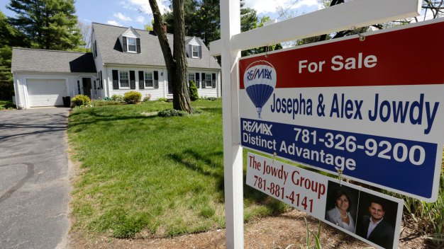 Mortgage Rates Still Near Historic Lows