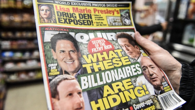 Tabloid CEO's Lawyer Denies Enquirer Tried to Extort Bezos