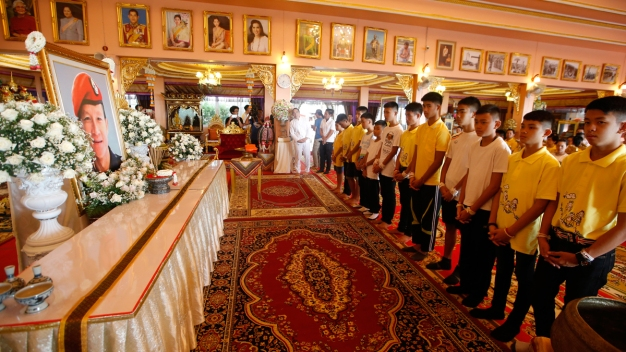 Thai Soccer Boys Pray for Fortune at Temple After Rescue