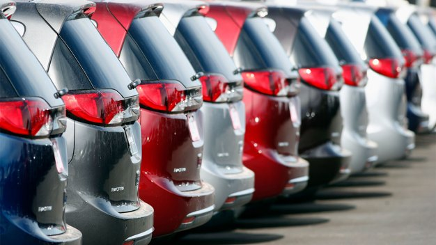 Fiat Chrysler Recall: Vans Can Stall, Lose Power Steering}