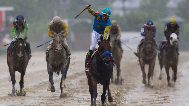 Race to the Triple Crown: American Pharoah Looks to Belmont