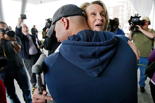 Boston Marathon Bombing Survivor to Marry Fireman Who Rescued Her