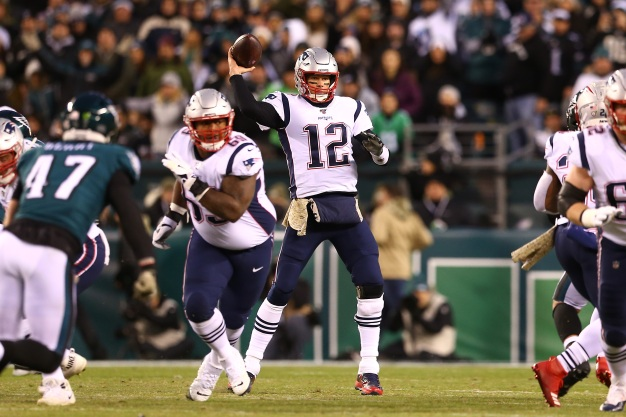 Patriots Hold On to Beat Eagles