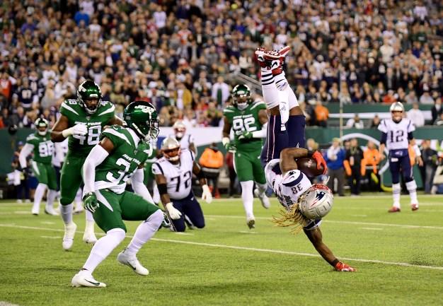Patriots Embarrass Jets, Improve to 7-0