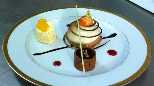 [LXTVN] Decadent Desserts at the Golden Globes