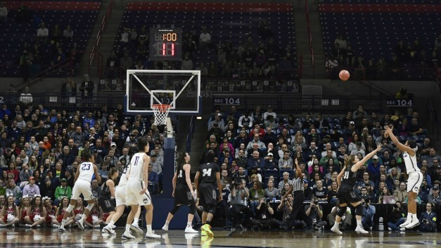 UConn Women Roll to Record-Setting 1st-Round Win