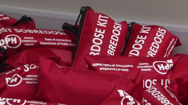 New Haven Distributes Narcan Kits On Overdose Awareness Day